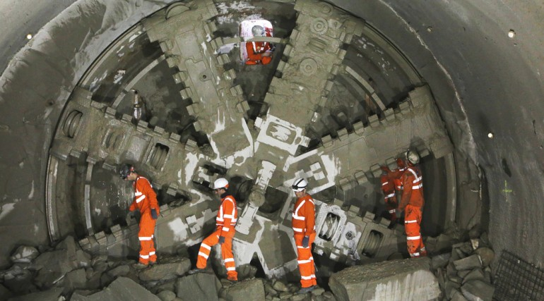 TBM Elizabeth arrives at Farringdon