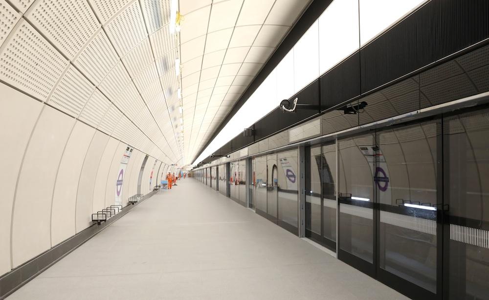 Tottenham Court Road Elizabeth line westbound platform